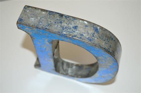 MEDIUM VINTAGE STYLE 3D BLUE T SHOP SIGN LETTER TIN WALL ART LETTER FONT 8 INCH