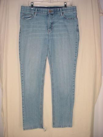 2a283275cff Levis 525 Womens Jeans Perf Waist Straight Leg Size 16 Med meas 36 x on  PopScreen
