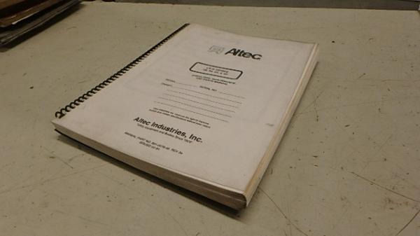 ALTEC LR-III BOOM BUCKET TRUCK OPERATORS & PARTS MANUAL Ci117 | eBay