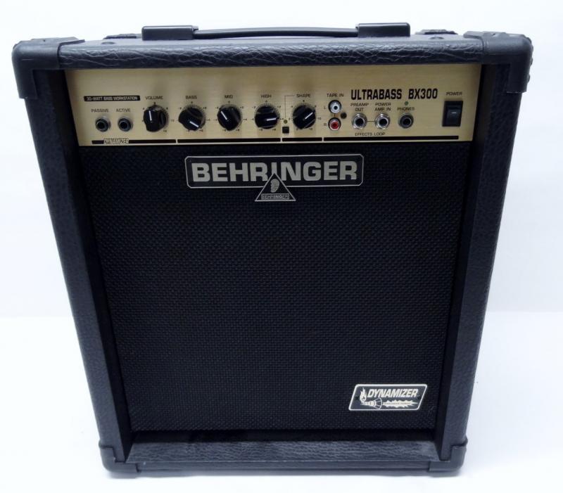 behringer bass guitar amplifier bx300 ultrabass amplifier amp n1043. Black Bedroom Furniture Sets. Home Design Ideas