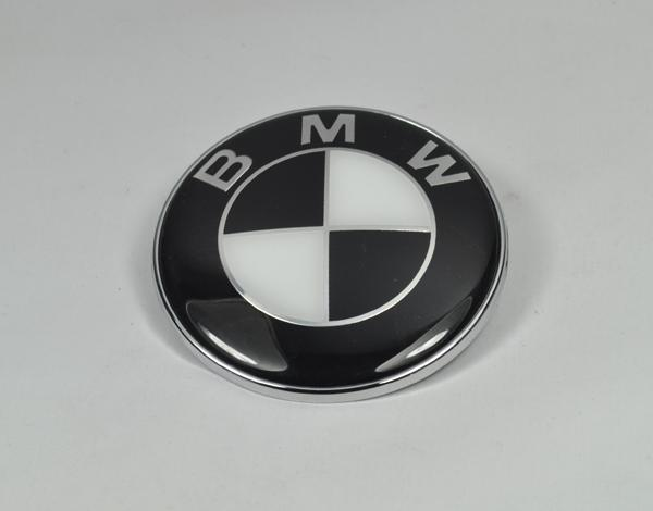 bmw emblem 82mm schwarz weiss logo e30 e36 e39 e46 e60 e90. Black Bedroom Furniture Sets. Home Design Ideas