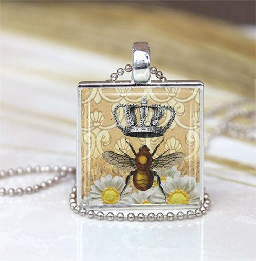 Mom Mother Silver Plated FRAME Glass Crown Pendant Necklace Honey NEW