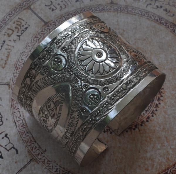 Arm Cuff Jewelry: HUGE Vintage Berber Bedouin Silver Upper Arm Bracelet Cuff