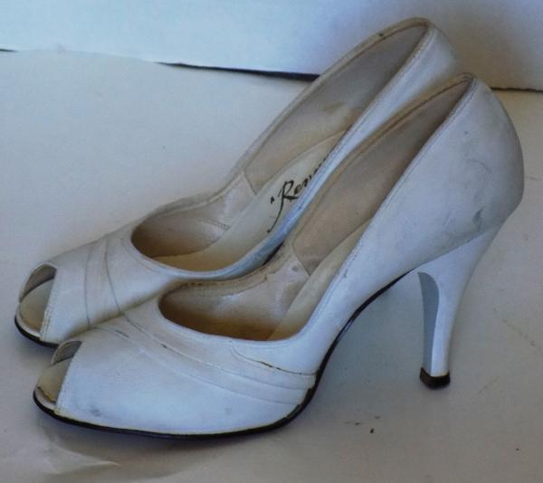 f23b8825d99 Details about Vintage 40s 50s White Leather Peep Toe High Heel Shoes A  Revette Creation 6 1/2