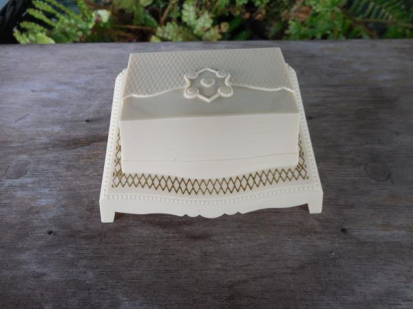 PRESENTATION BOX Vintage Plastic Celluloid Molded Ring Jewelry Display