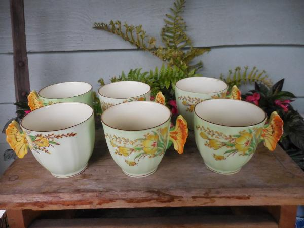 Butterfly Shape Tea Plate with 6 Small Chinese Tea Cups Vintage