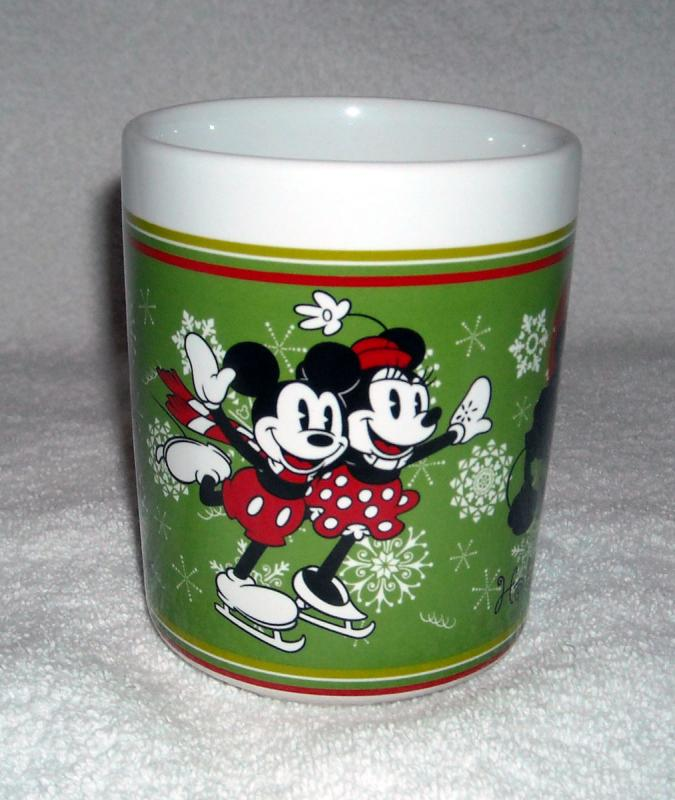 NEW DISNEY MICKEY MINNIE MOUSE CERAMIC MUG KISSES