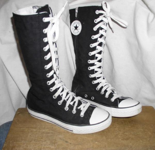 chuck converse all high tennis shoes sz 2