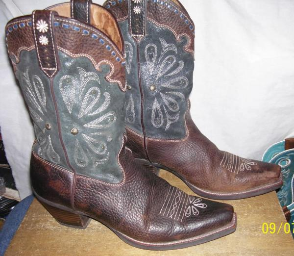 Ariat Boots DAISY BROWN OILED ROWDY / MIDNIGHT BLUE SIZE 9 B | eBay