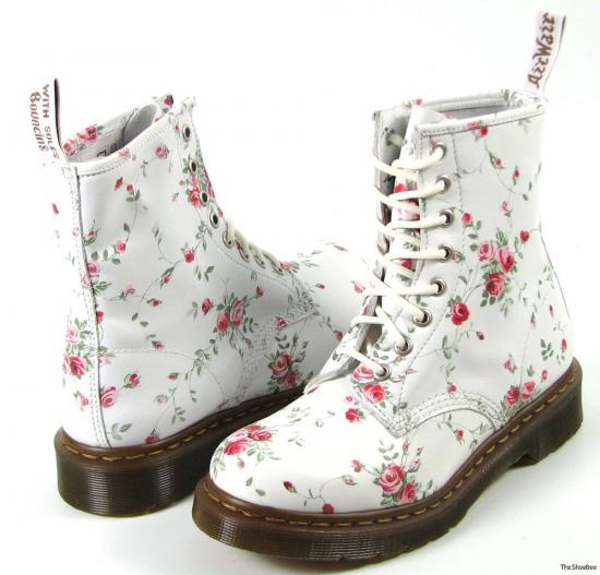 Floral doc martens on the hunt mightylinksfo