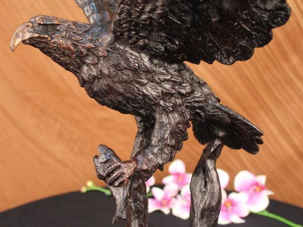 Stunning Eagle Landing Genuine Hot Cast Bronze Statue on Marble
