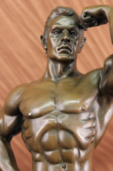 bronzeskulptur signiert modern bodybuilder figur statue art deco ebay. Black Bedroom Furniture Sets. Home Design Ideas