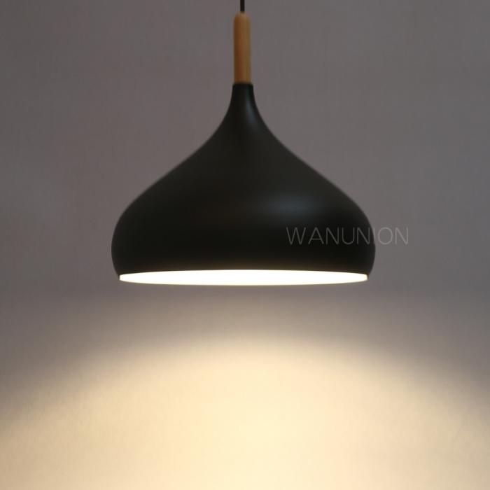 Modern wood onion light chandelier pendant lighting for Ceiling lamp wood