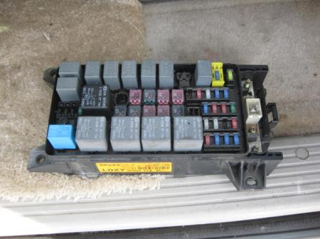 main fuse relay box 2009 kia sedona fuse box 2003 kia sedona 2002 2003 2004 2005 kia sedona ex lx fuse relay junction ...