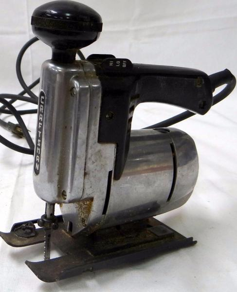 Antique Scroll Saw: VINTAGE CRAFTSMAN ELECTRIC MAGNESIUM JIG SCROLL SAW WORKS
