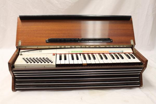 Vintage cromwell accordion organ keyboard electric piano for Classic house organ sound