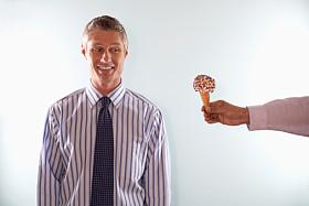 man ice cream_THRjust deserts_78714819