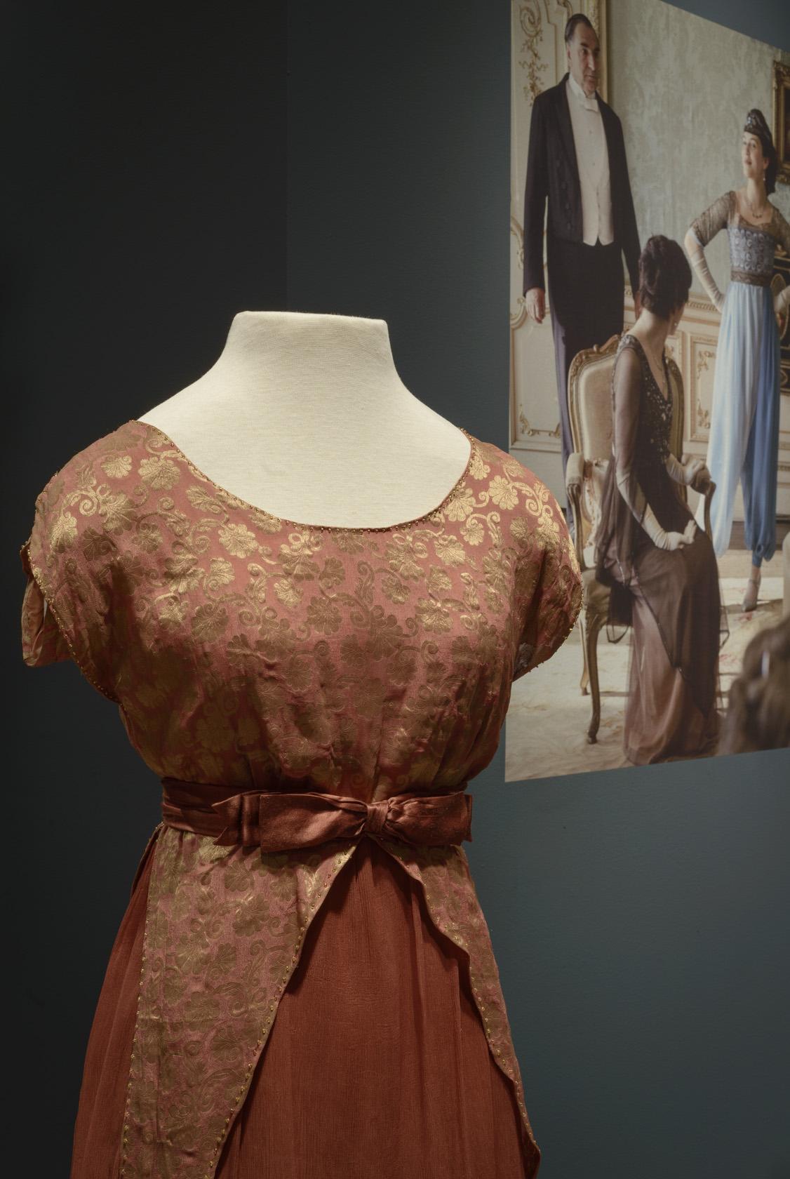 Lady Edith dress