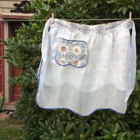 Reversible blue apron