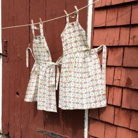 Childeren's twin aprons