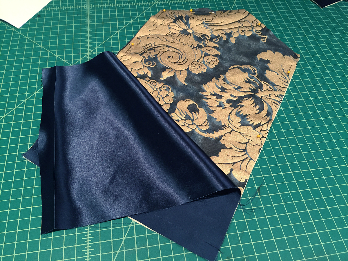 lining envelope clutch