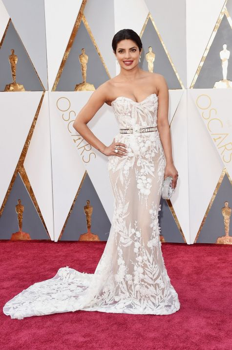Priyanka Chopra 2016 Oscars red carpet