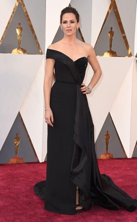 Jennifer Garner 2016 Oscars red carpet