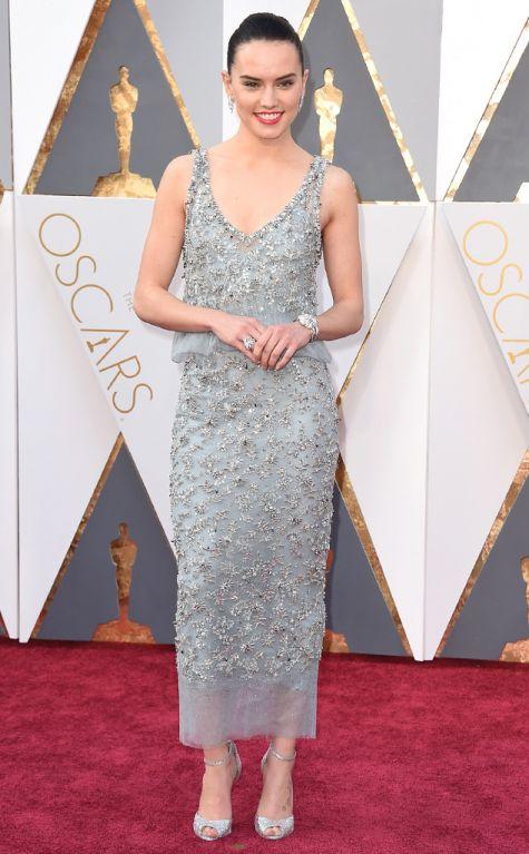 Daisy Ridley 2016 Oscars red carpet