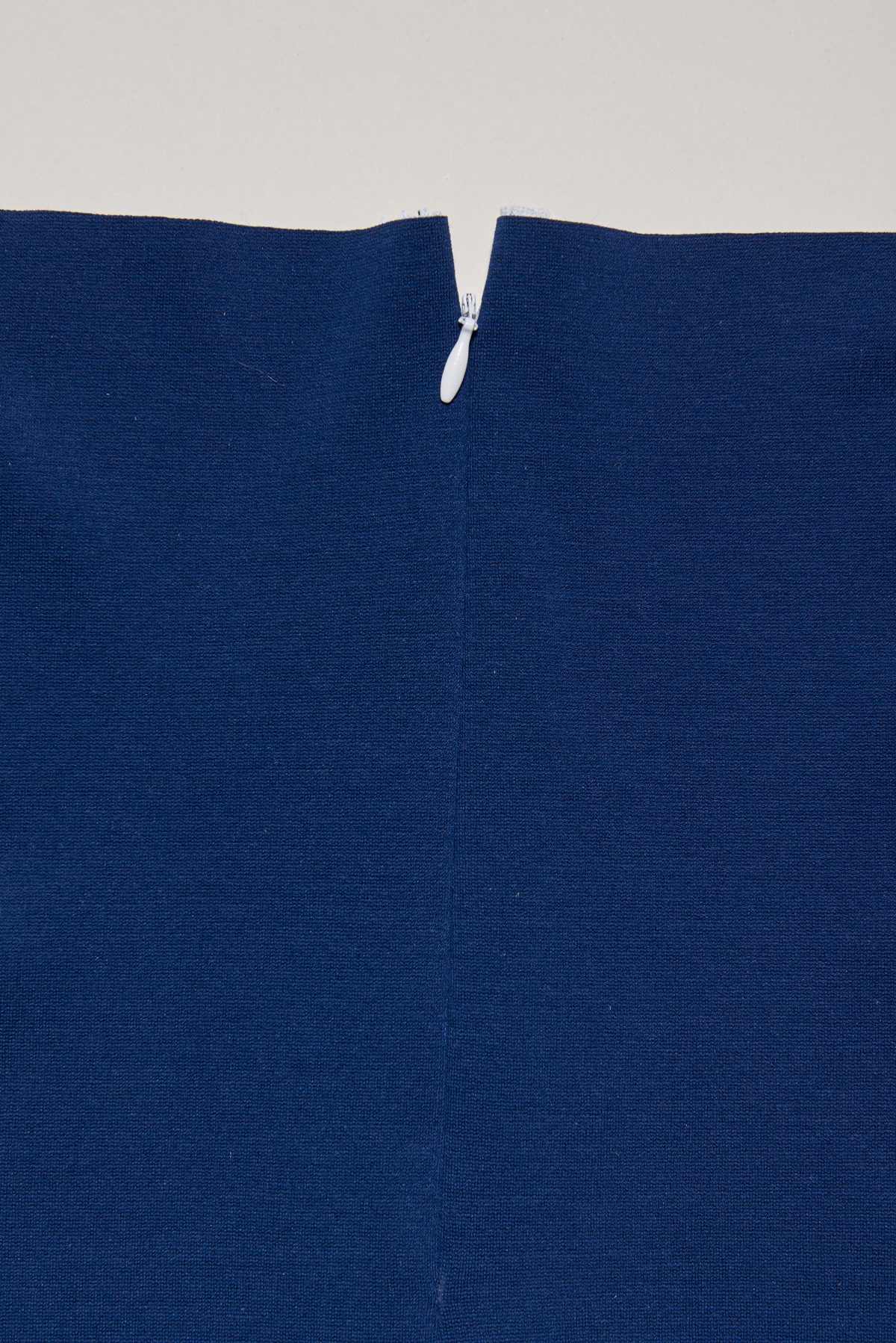 sew an invisible zipper in knits 4