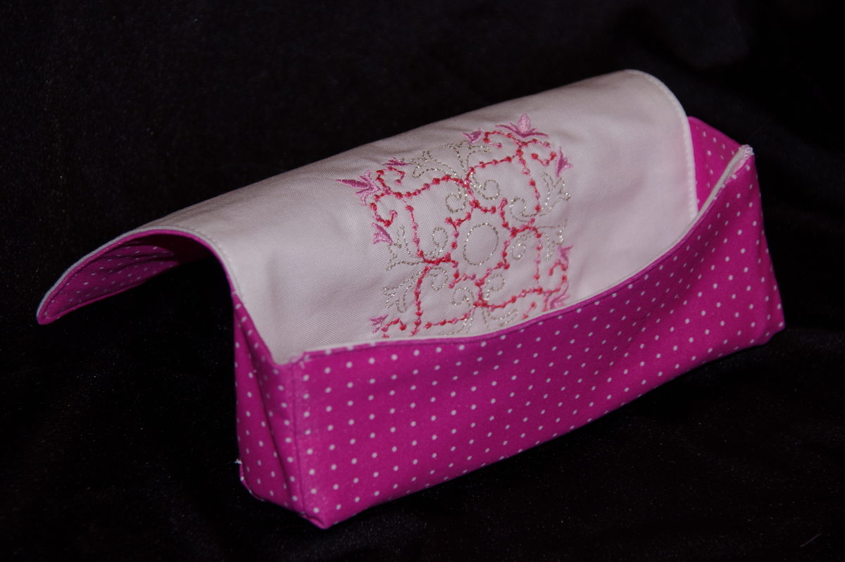 Reversible embroidered eyeglasses case - Threads - photo#7