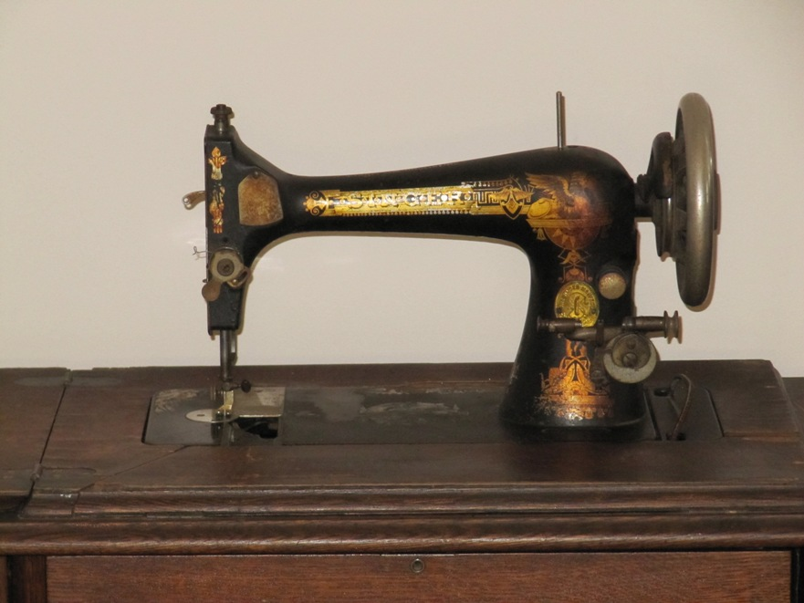 Identifying Vintage Sewing Machines Threads Magnificent Antique Singer Sewing Machine In Cabinet For Sale
