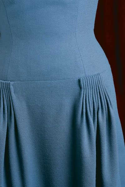 cb3896e7d A cluster of 1 2-in. deep cartridge pleats adds fullness where needed on a  wool-crepe dress. The unpressed pleats remain standing for a softly draped  ...