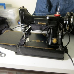 Identifying Vintage Sewing Machines - Threads on