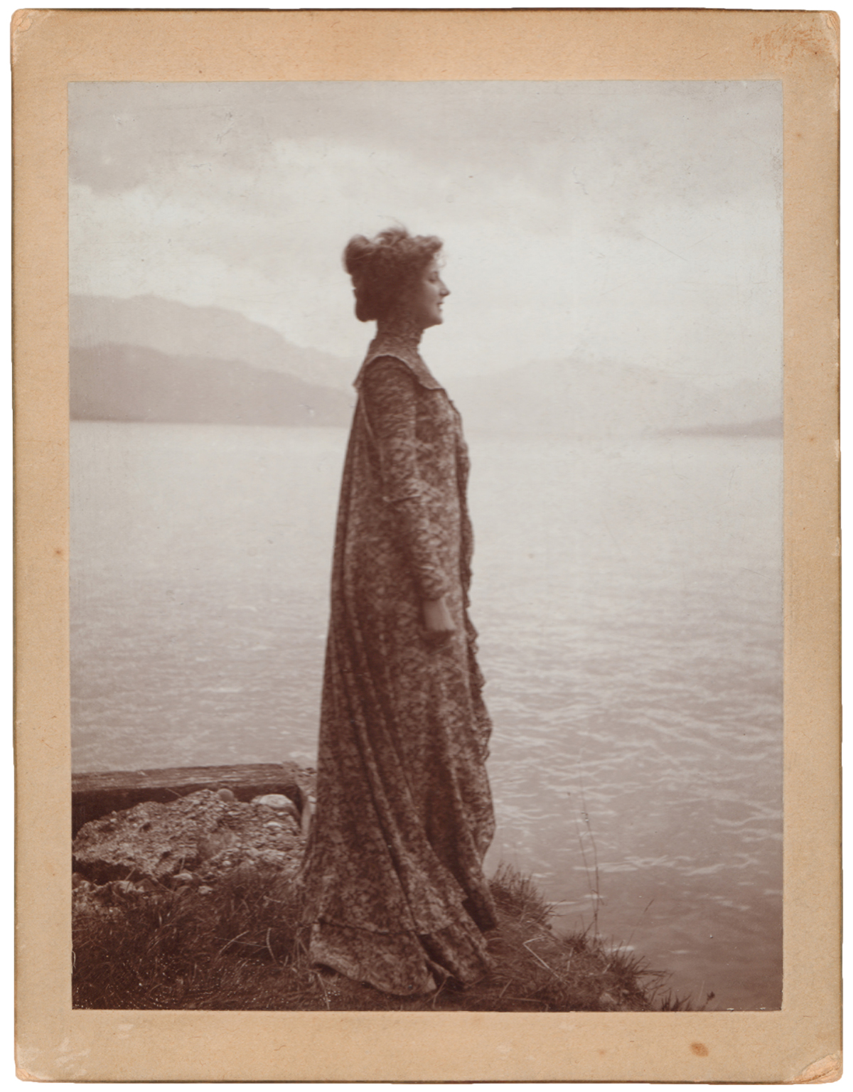 Emilie Flöge wears one of her reform dresses as she stands on the shores of Lake Atter