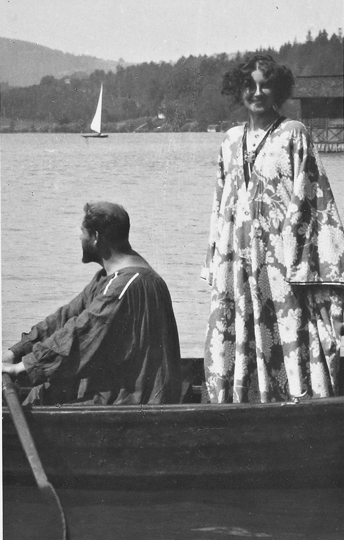 Emilie Flöge and Gustav Klimt in a rowboat on Lake Attersee, 1909. Photo by Emma Bacher.