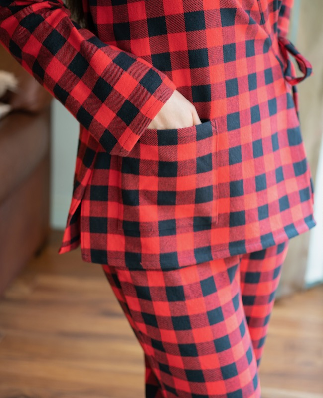 Itch to Stitch Pine Cove Pajamas with pockets