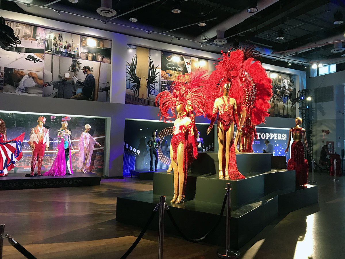 Showgirls, Showstoppers! costume exhibition