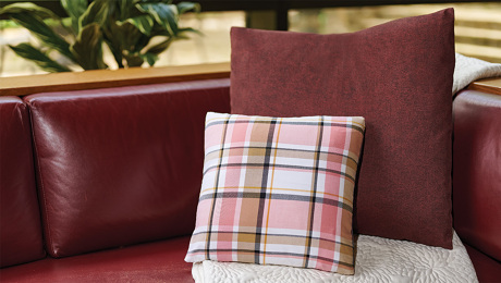 sewing square pillow corners