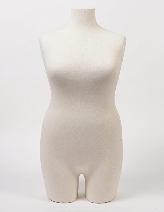 Plus-size mannequin