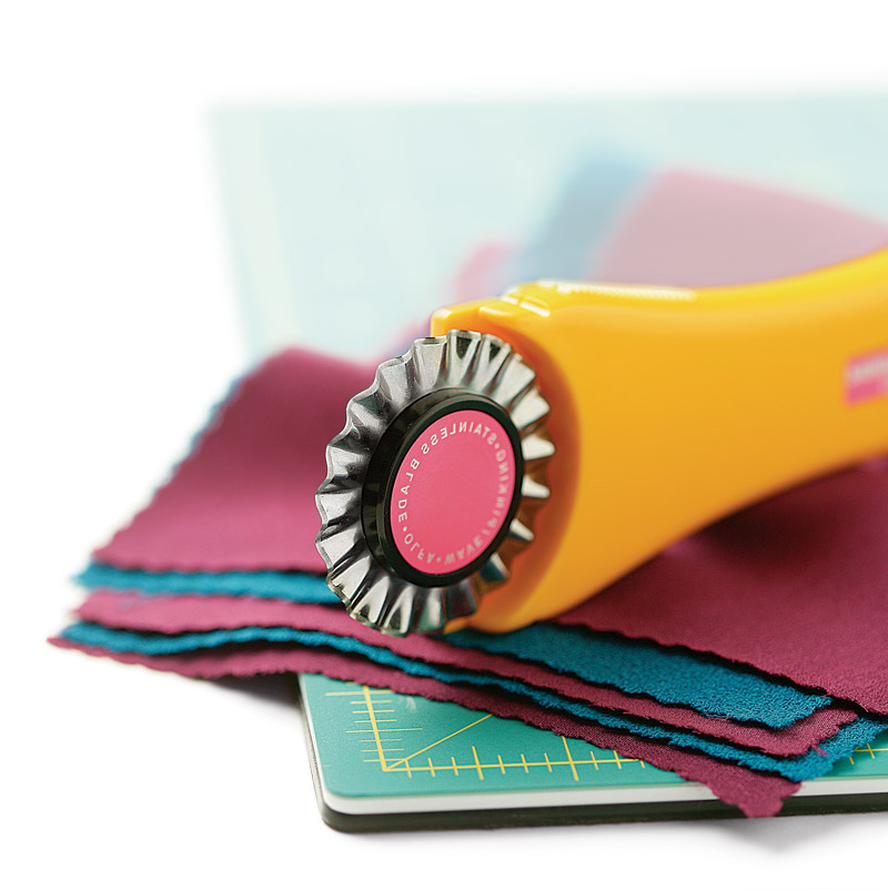 Olfa P1K2 pinking cutter
