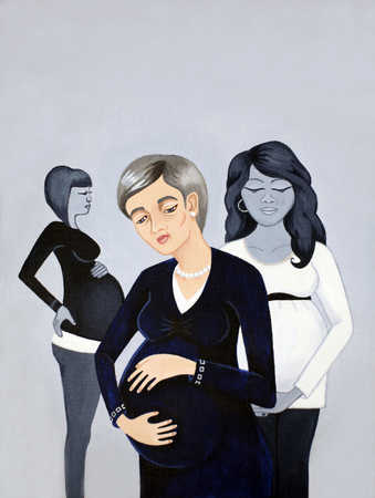Mature pregnant woman standing in front of younger pregnant women