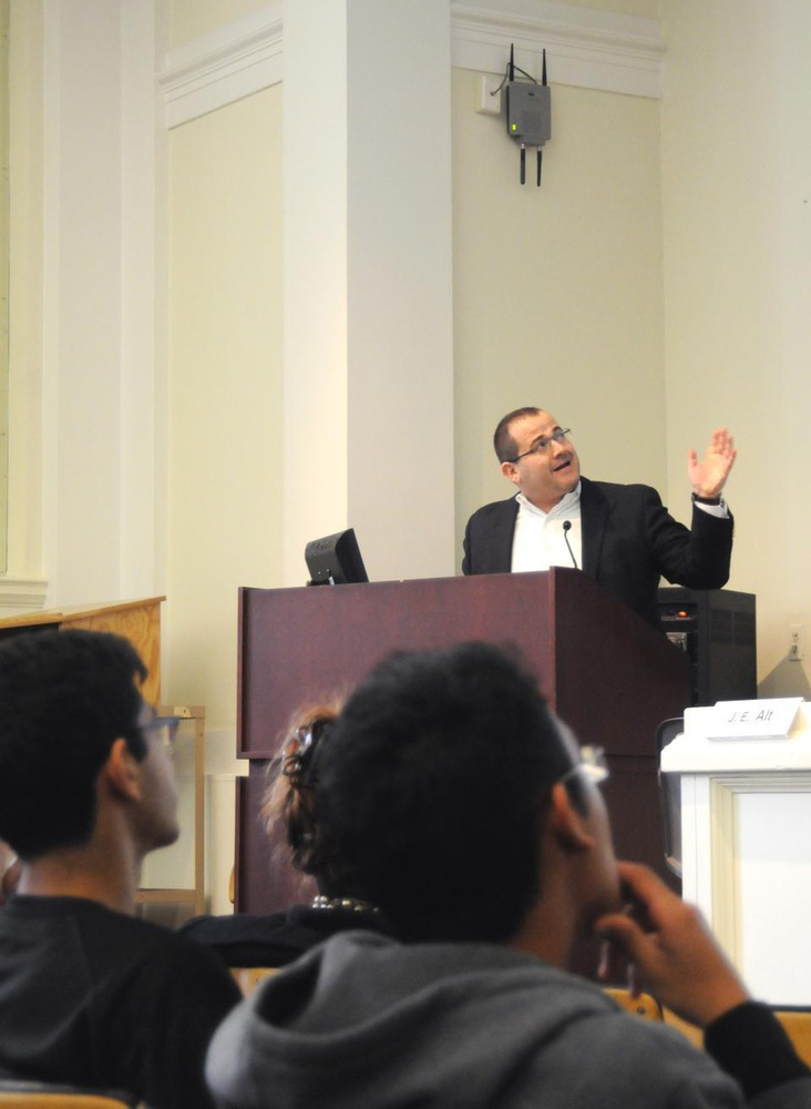 Prefrosh attend a panel on social sciences yesterday, where Professor Efraim Benmelech shared his views on how to prevent another financial crisis.