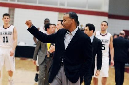 Men's Basketball Snags Final Spot in AP Top 25 Poll