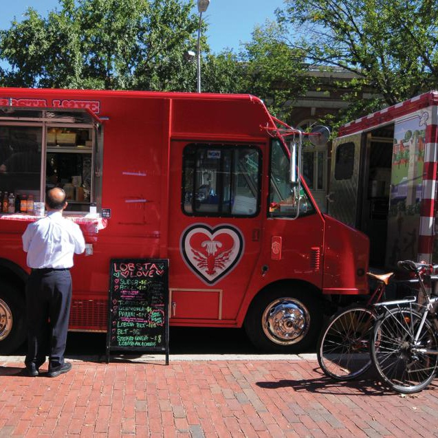 Due to the construction in front of the Science Center, food trucks such as Lobsta Love have now been forced to relocate behind the Science Center, where they are crammed in between traffic and other cars.
