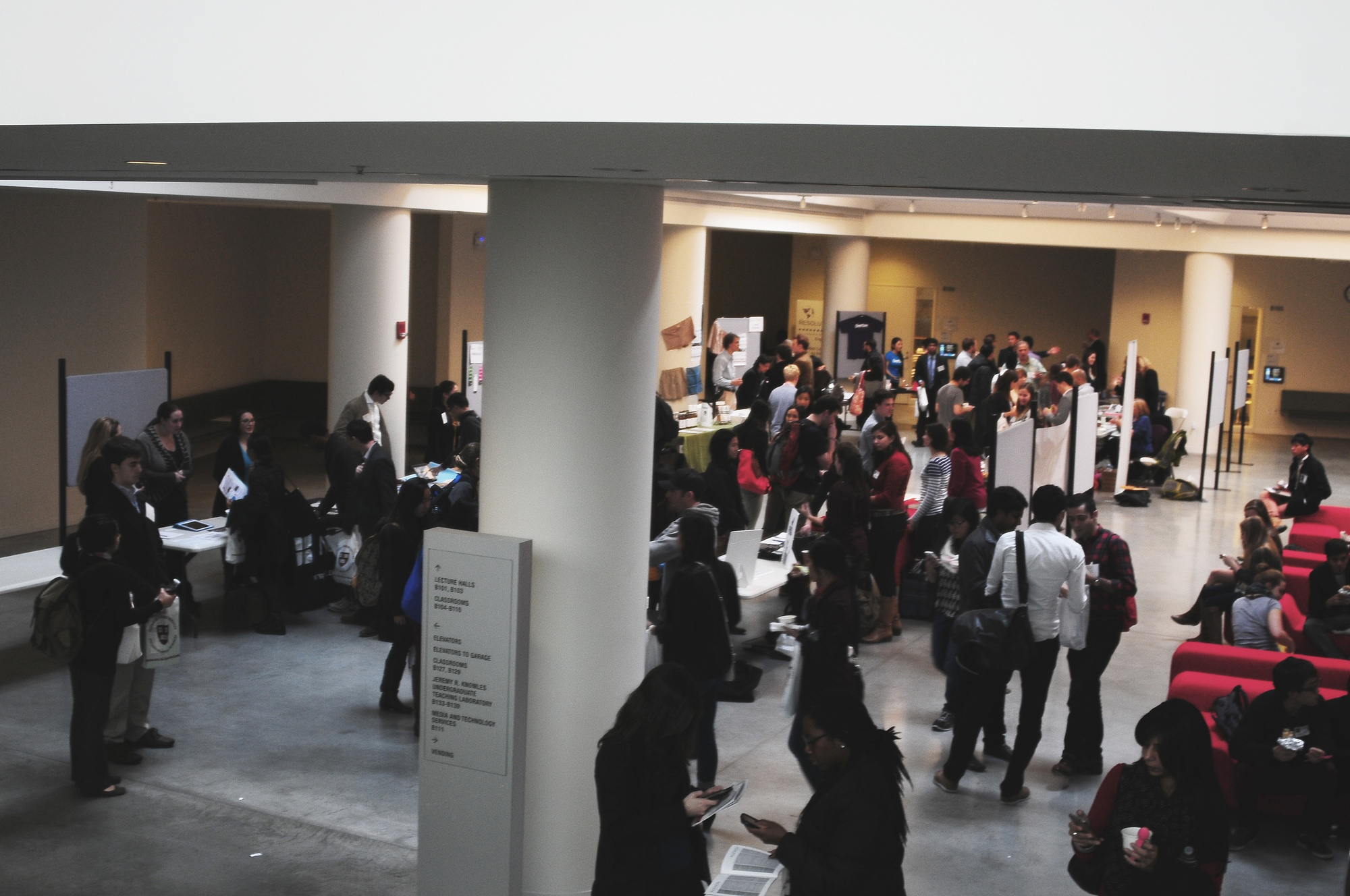 Students explore social entrepreneurship at the job fair. The Igniting Innovation Summit has brought inspiring speakers and start-ups to Harvard this crispy Saturday.