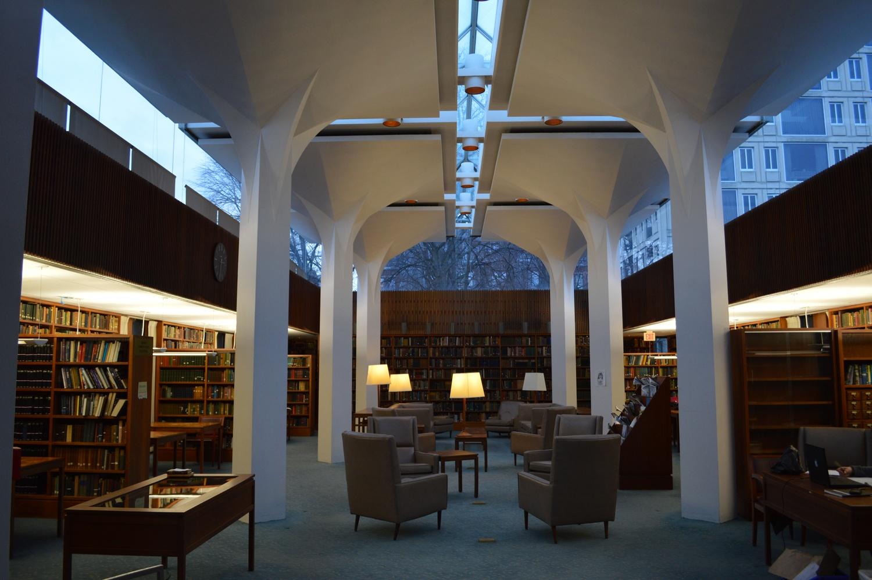 Leverett House Library