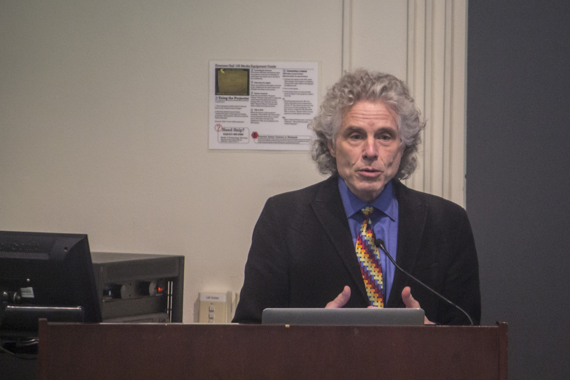 Harvard College Prof. Steven A. Pinker engaged in a conversation about the transcendence of the humanities and sciences with Edgar Pierce Prof. Susanna C. Siegel in light of the recent discussions about the importance of the humanities compared to the sciences.