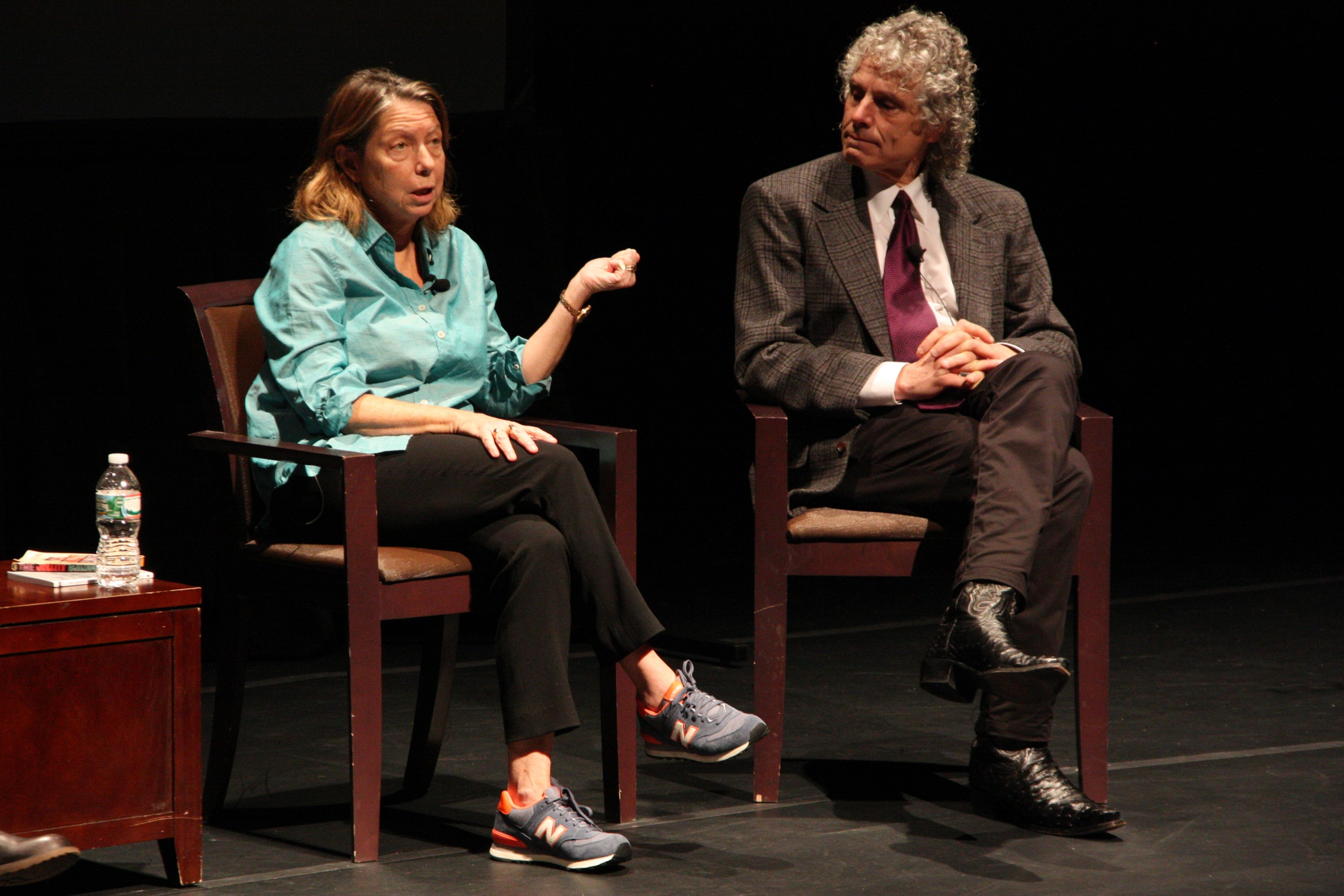 Jill E. Abramson '76, former executive editor of The New York Times, and Steven Pinker, Johnstone Family psychology professor, discuss different styles of writing at Farkas Hall on Tuesday night.