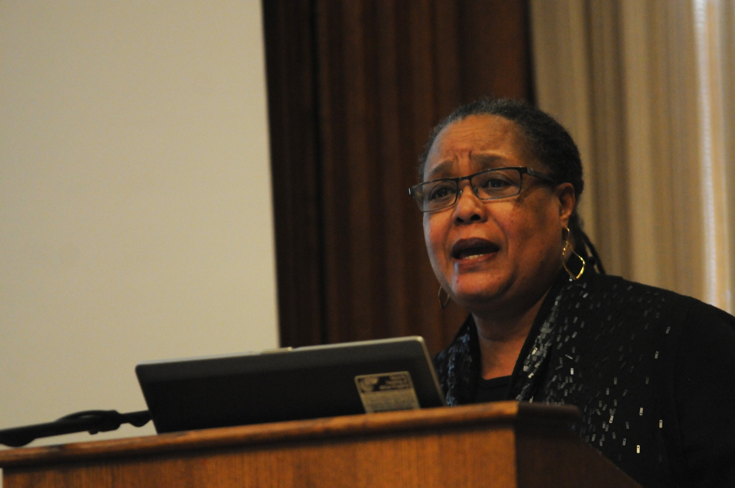 """Professor Evelynn M. Hammonds, former Dean of the College, discusses """"The Negro Scientist"""" by W.E.B. Du Bois and diversity in scientific research on Wednesday in the Barker Center."""
