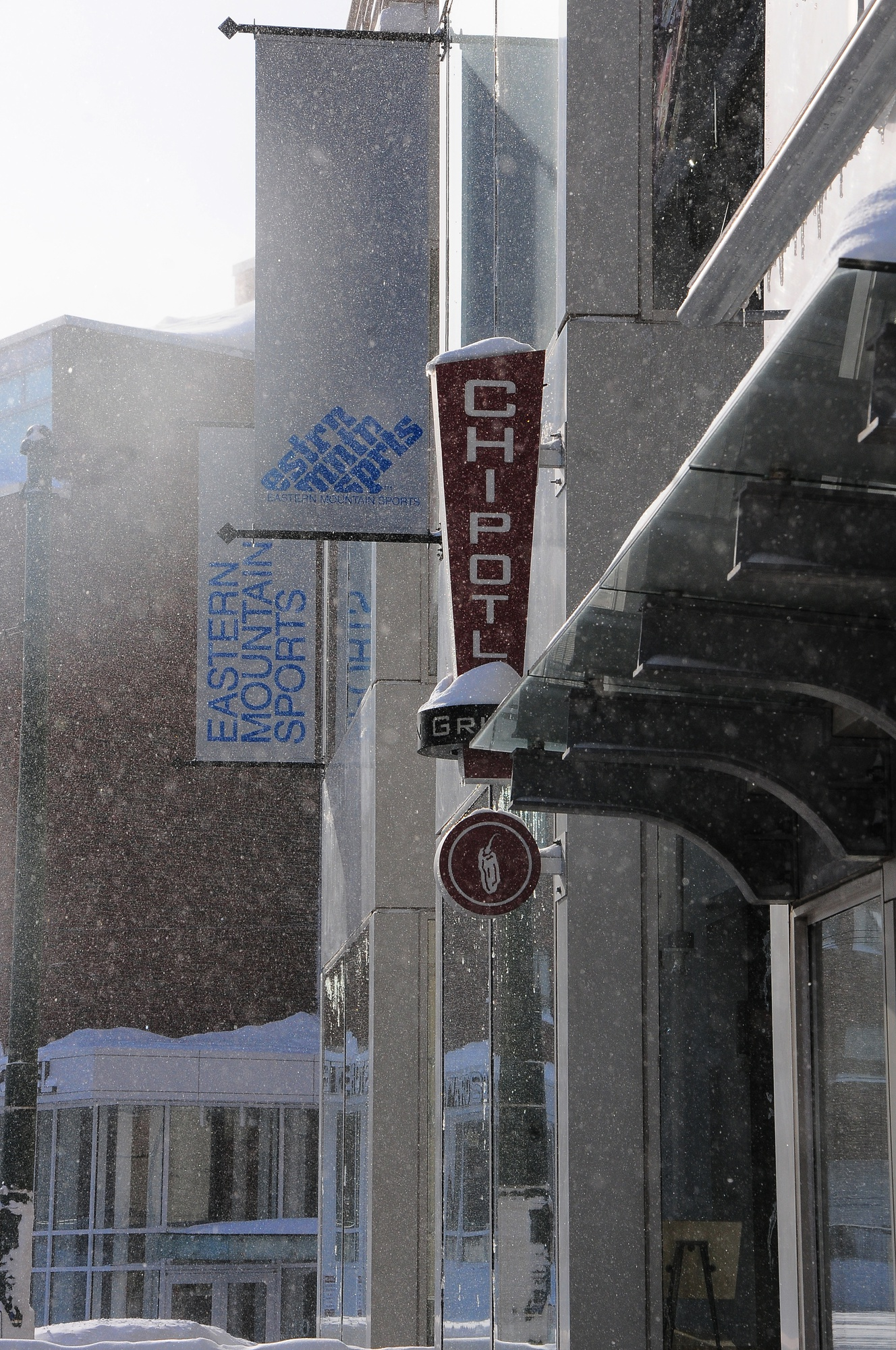 Chipotle withstands even the toughest of winter conditions to provide the joy of burritos to customers. Chipotle, a nationwide chain of Mexican food restaurants, is known for its famous burritos and stands at a convenient  location in the Square.